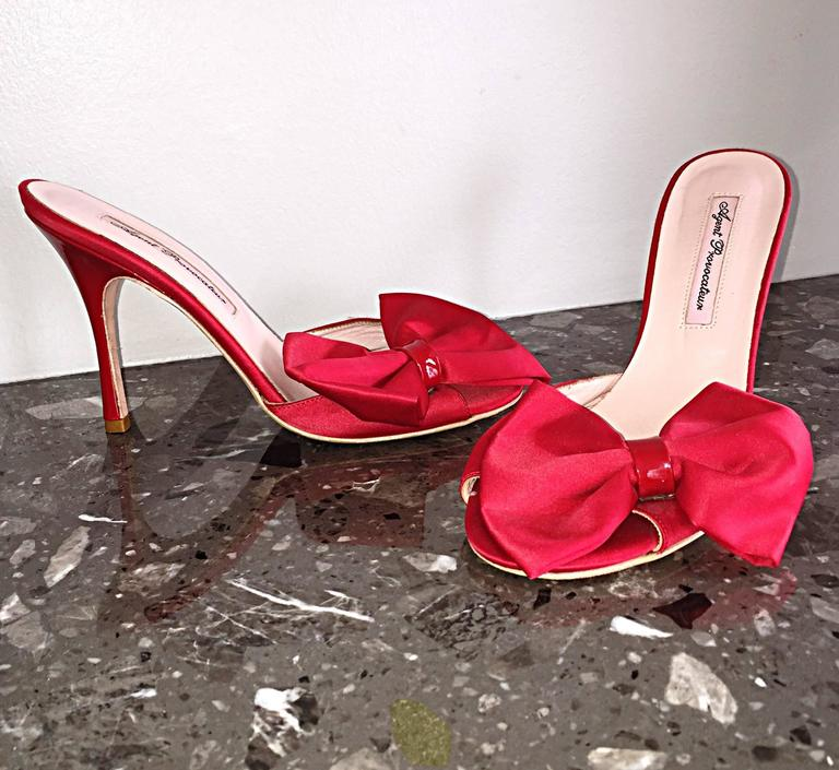 Agent Provocateur Sexy Red Bow Heels Slides Size 36 / 6 Made in Italy Never Worn In New Never_worn Condition For Sale In San Francisco, CA