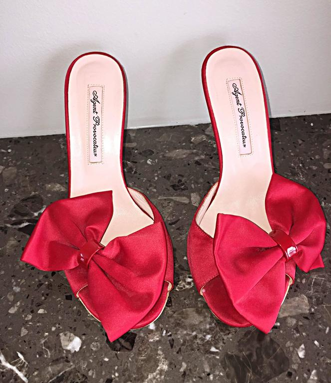 Agent Provocateur Sexy Red Bow Heels Slides Size 36 / 6 Made in Italy Never Worn For Sale 1