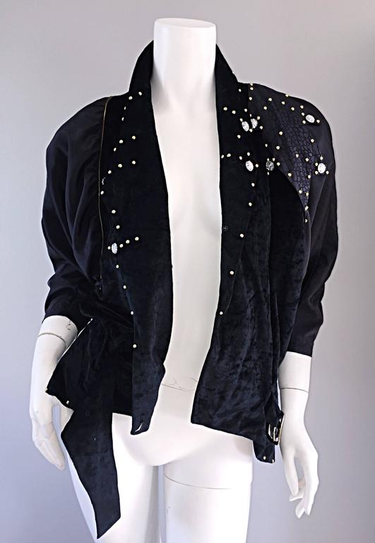 Amazing Vintage Eccetera Made In Italy Avant Garde Black Belted Blouse Or Jacket In Excellent Condition For Sale In San Francisco, CA
