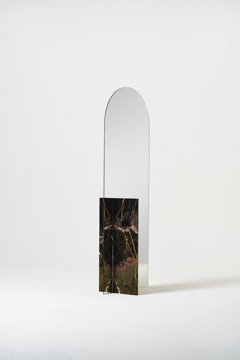 Autem is a material and visual experimentation with marble and mirrors. The project is an investigation about the relations of volume, masses and perception. Can we unbundle a material from its de- fining characteristics, without alienating its