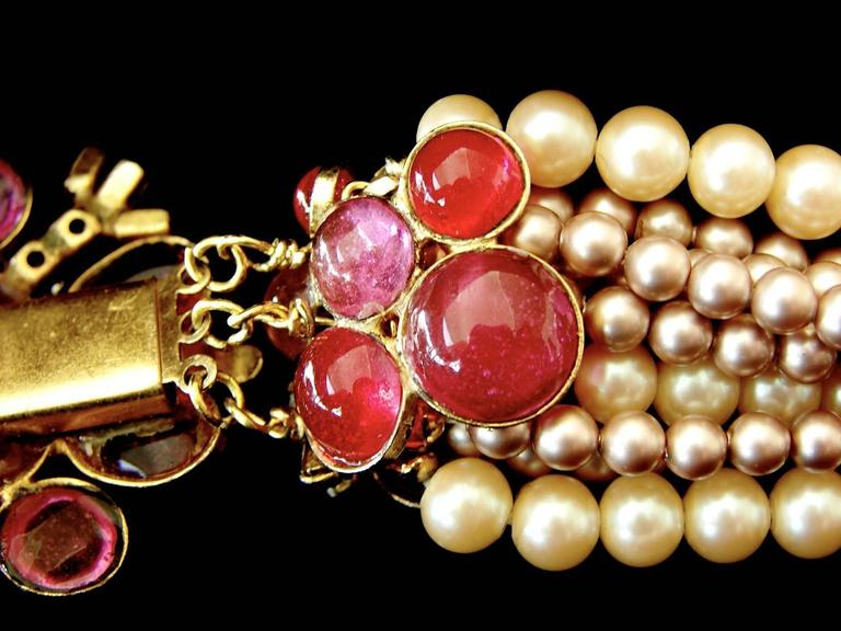Goossens for Chanel Multi-strand Pearl & Pâte de verre Camellia Necklace 1970s  8