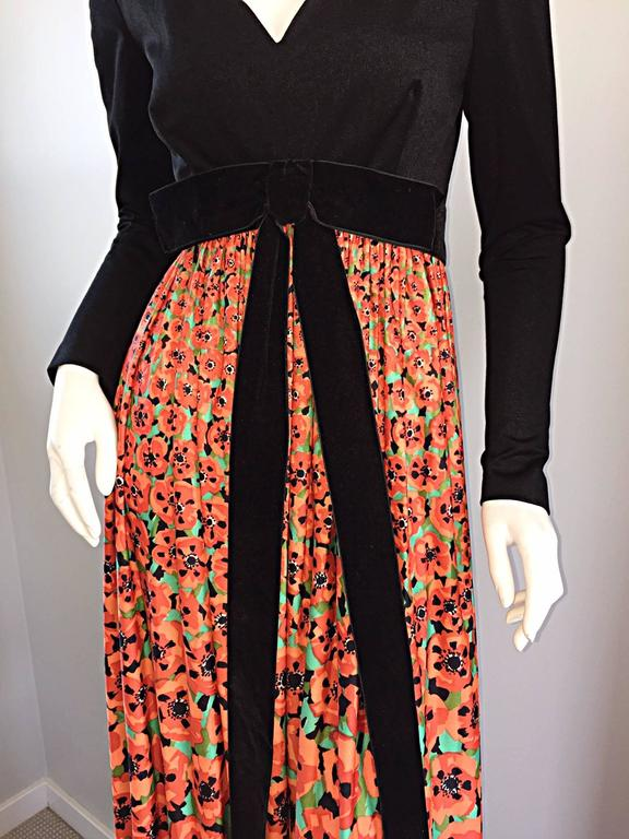 Vintage Joseph Magnin 1970s ' Hibiscus ' Print 70s Boho Maxi Dress w/ Bow In Excellent Condition For Sale In San Francisco, CA