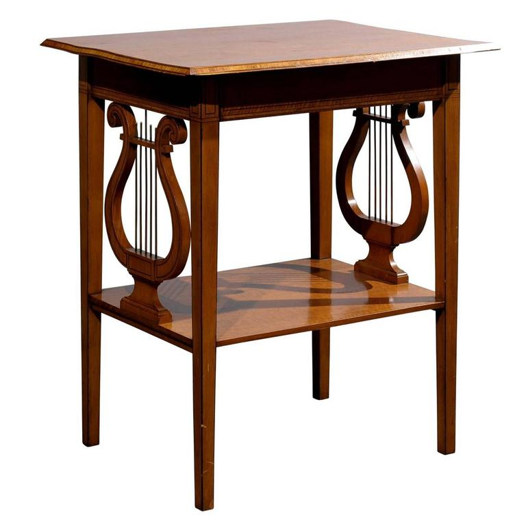 Genial English 19th Century Collinson U0026 Lock Satinwood Accent Table With Lyre Sides