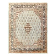 Beautiful Fine Antique Persian Tabriz Rug. Size: 8 ft x 10 ft 8 in