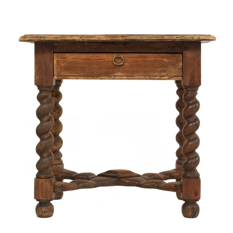 Baroque side table at 1stdibs - Table baroque conforama ...