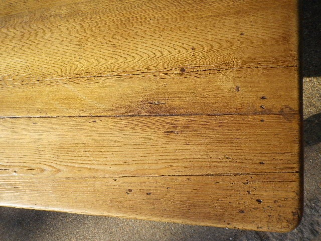 20th Century English Pine Coffee Table For Sale
