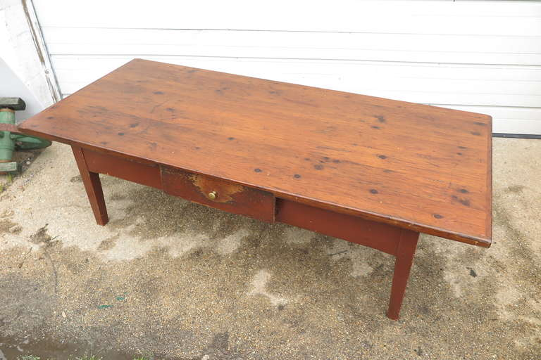French Coffee Table In Good Condition For Sale In Bridgehampton, NY