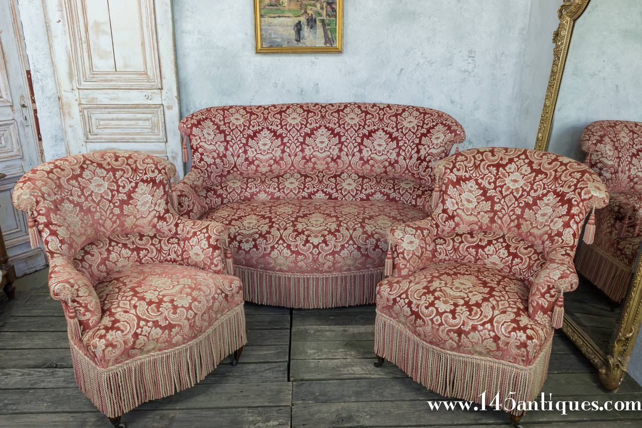 19th Century French Napoleon III Settee with Red Velvet and Bullion Fringe For Sale 4