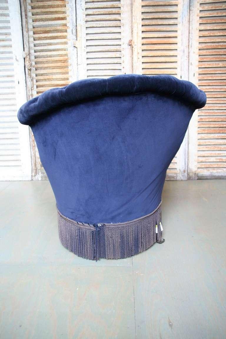 Handsome chaise lounge in blue velvet at 1stdibs for Blue velvet chaise