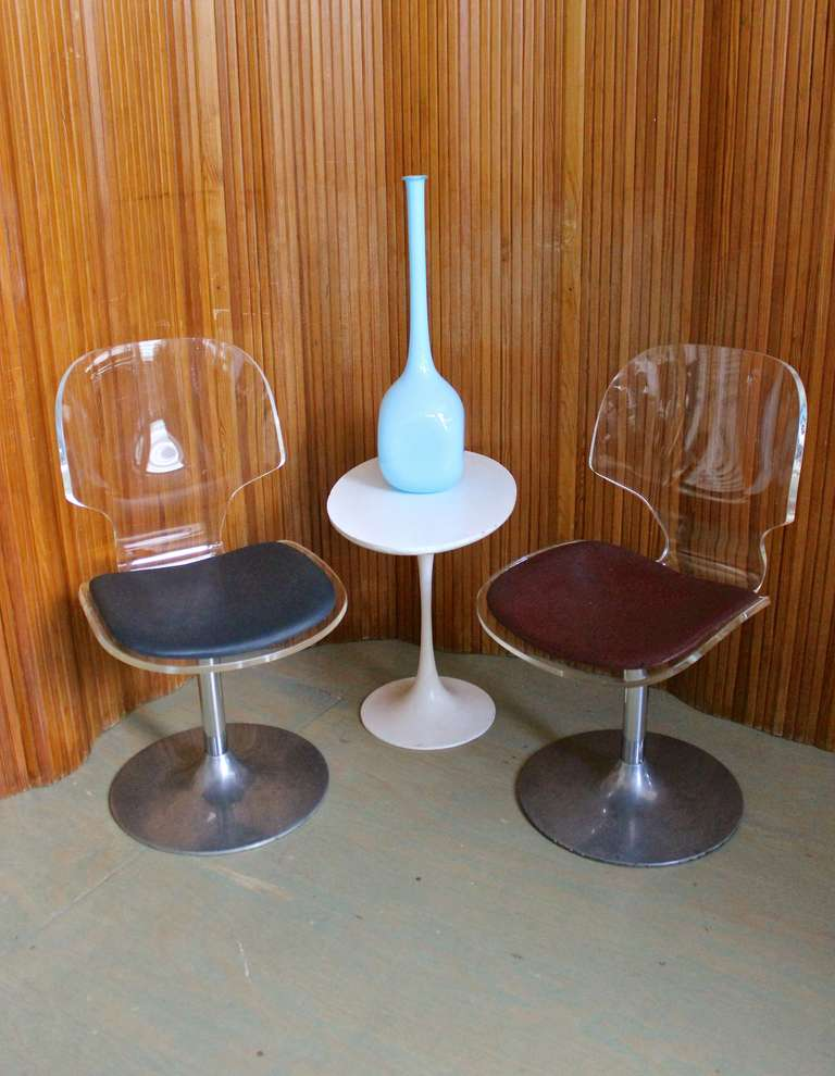 Pair of Lucite and Chrome Swivel Side Chairs For Sale 5