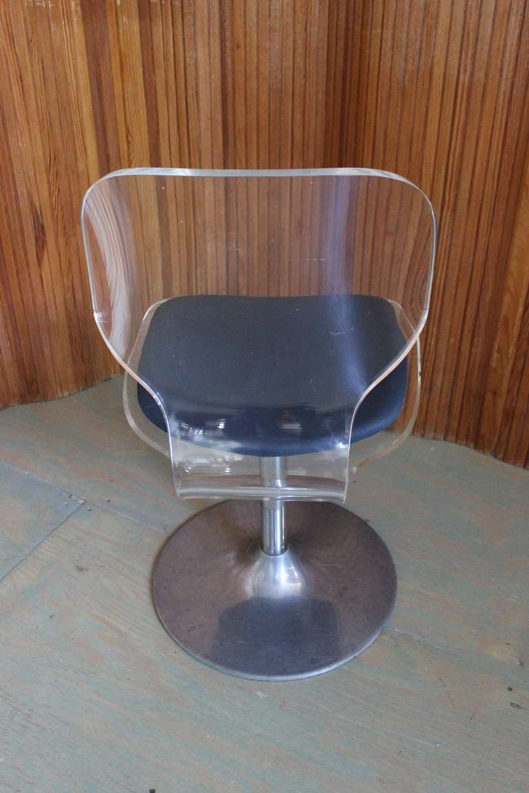 Late 20th Century Pair of Lucite and Chrome Swivel Side Chairs For Sale