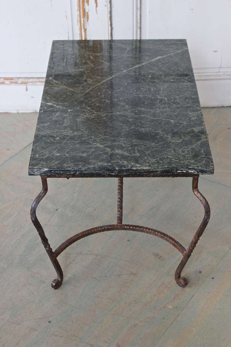Iron Coffee Table with Green Marble In Good Condition For Sale In Buchanan, NY