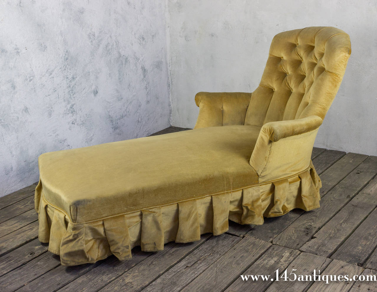 French 19th chaise longue in gold velvet with skirt for for Chaise longue french