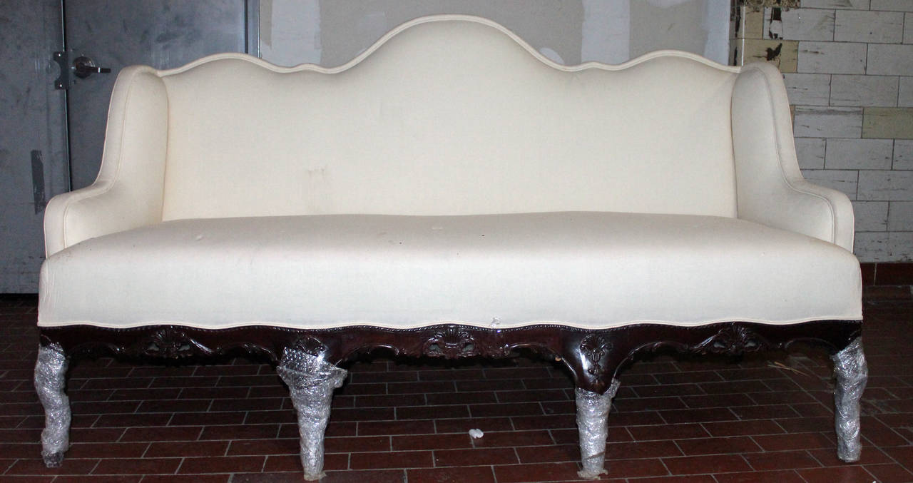 Oversized english divan with carved base 1940 39 s at 1stdibs for Divan in english