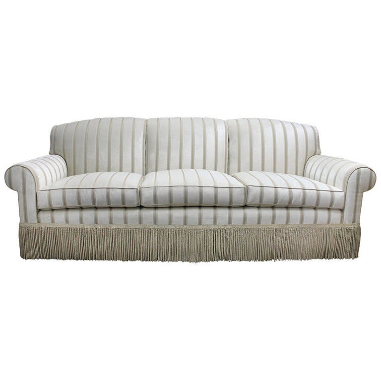 Elegant Very fortable newly refurbished Sofa at 1stdibs