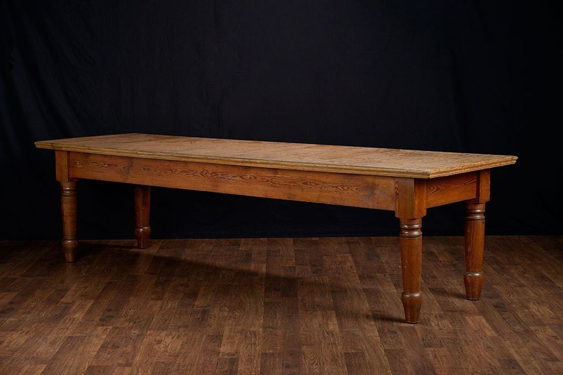 Antique large rustic american pine dining table at 1stdibs for Antique dining room tables