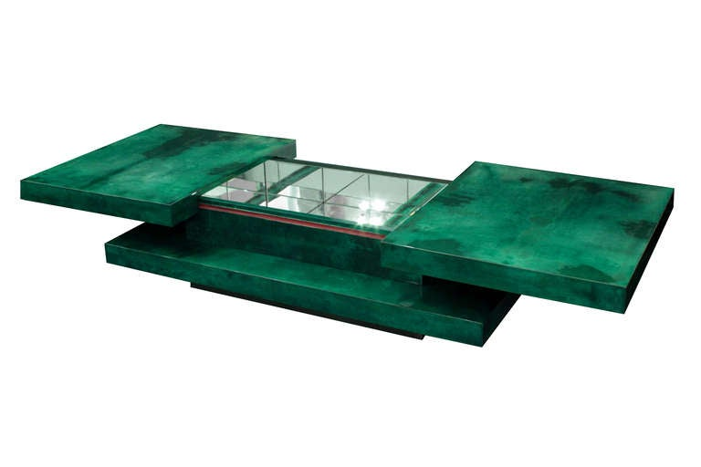 Coffee Table in Lacquered Goat Skin with Mirrored Interior by Aldo Tura 2