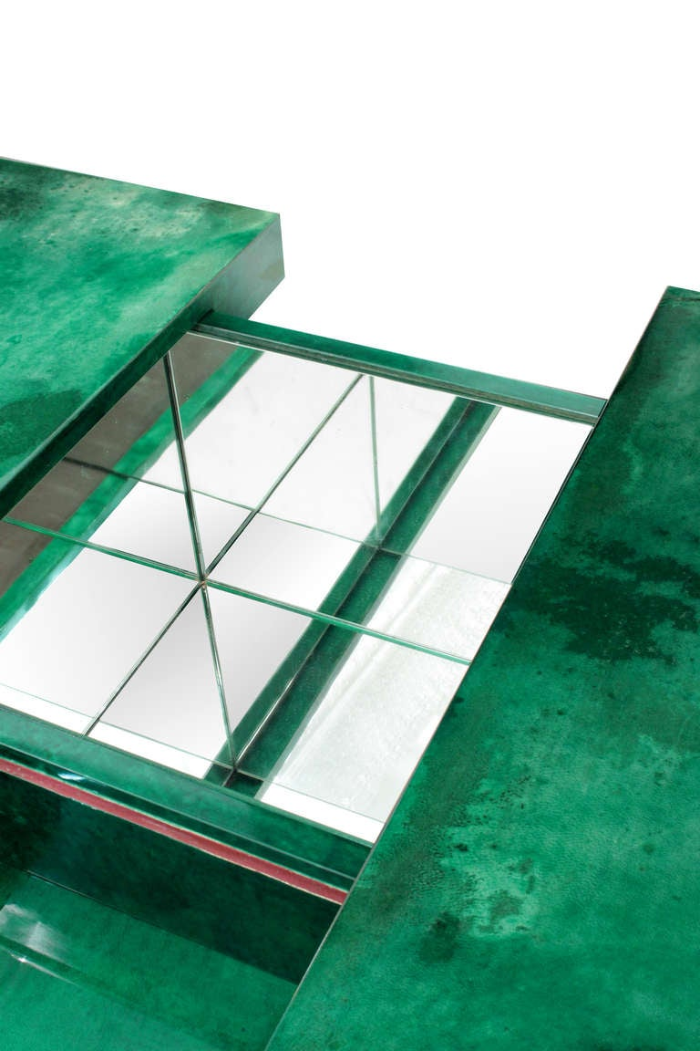 Coffee Table in Lacquered Goat Skin with Mirrored Interior by Aldo Tura 3