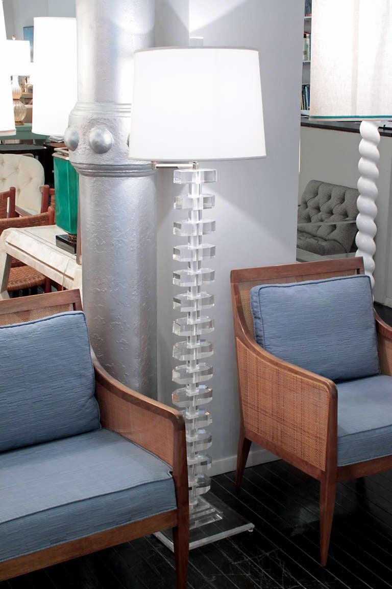 Impressive Sculptural Lucite Swing-Arm Floor Lamp 8