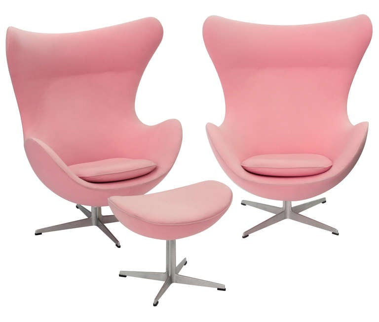 Pair Of Iconic Egg Chairs And Ottoman By Arne Jacobsen For Sale