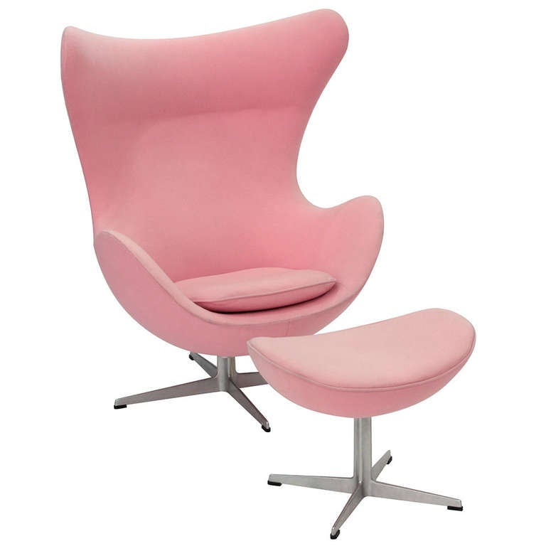Pair Of Iconic Egg Chairs And Ottoman By Arne Jacobsen At: iconic chair and ottoman