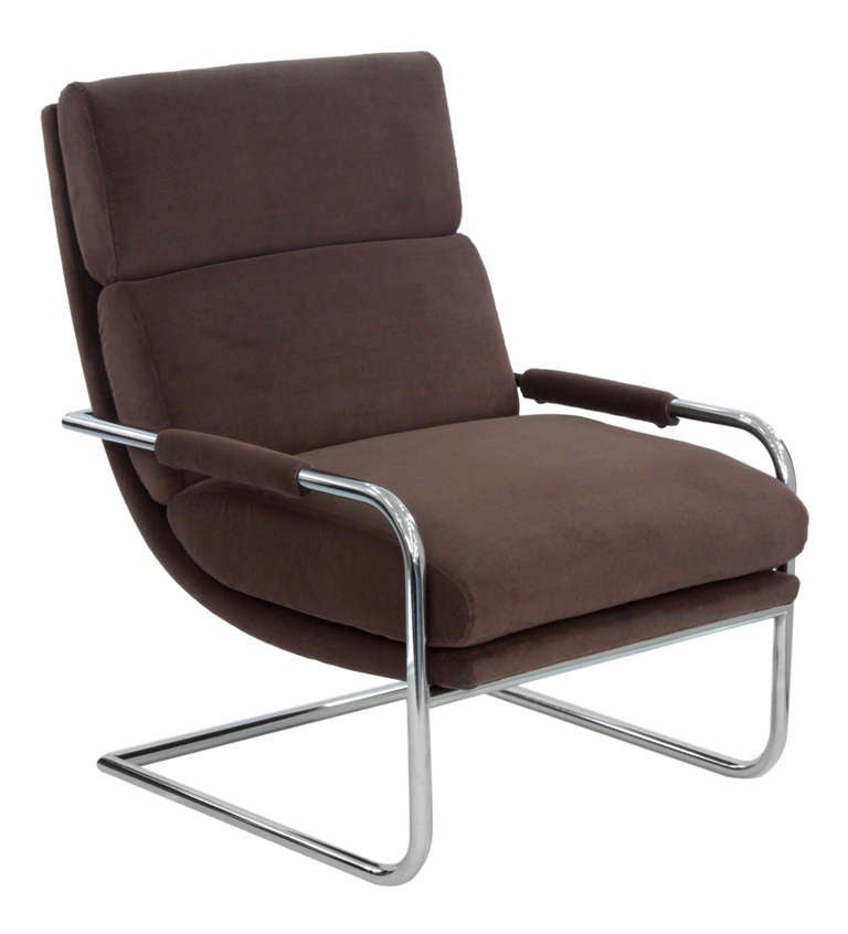 American Pair of Cantilevered Lounge Chairs by Milo Baughman For Sale