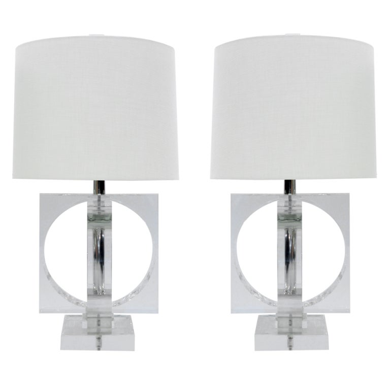 Lucite Table Lamp: Large and Impressive Pair of Lucite Table Lamps 1,Lighting