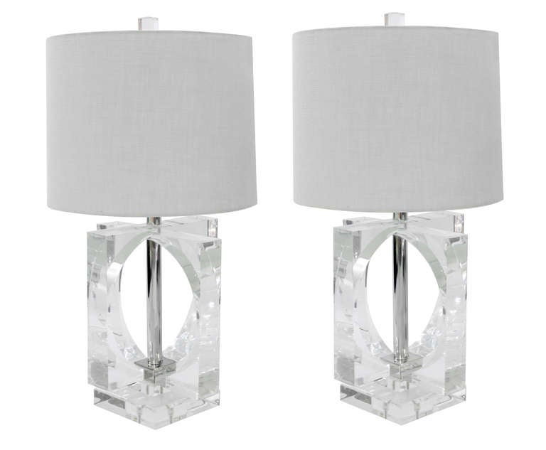 Lucite Table Lamp: Large and Impressive Pair of Lucite Table Lamps 2,Lighting