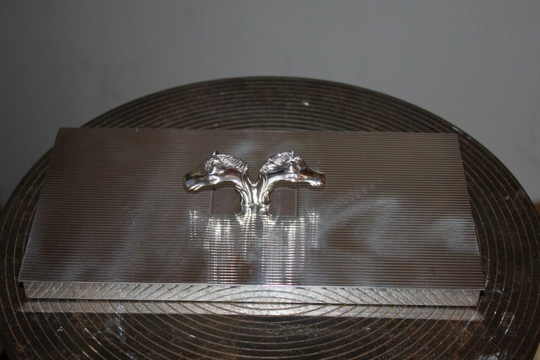 This is a Super cool double horse head box with deco lines run horizontal