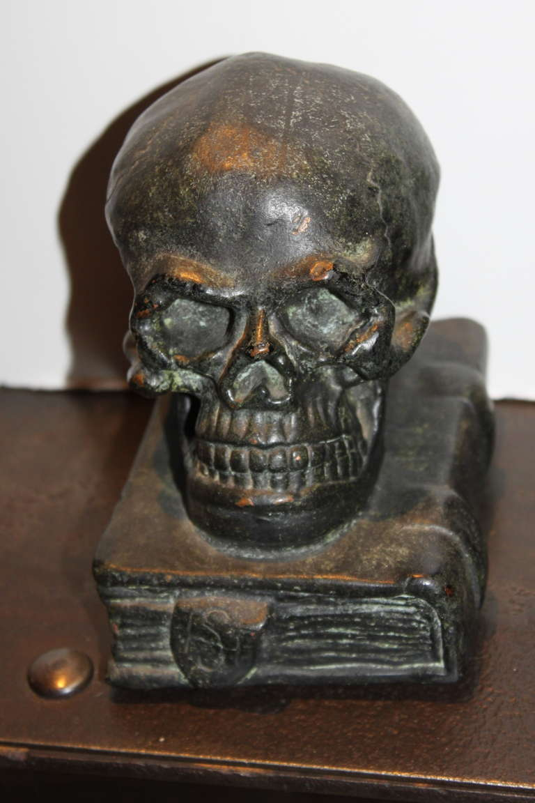 American Bronze Skull on Books Bookends, 1920 For Sale