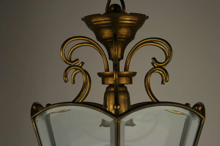 Italian Beveled Glass Italian Lantern In Good Condition For Sale In Douglas Manor, NY