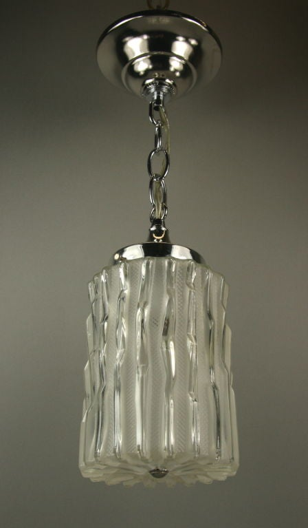 1-2595 abcde Murano wavey glass pendant.