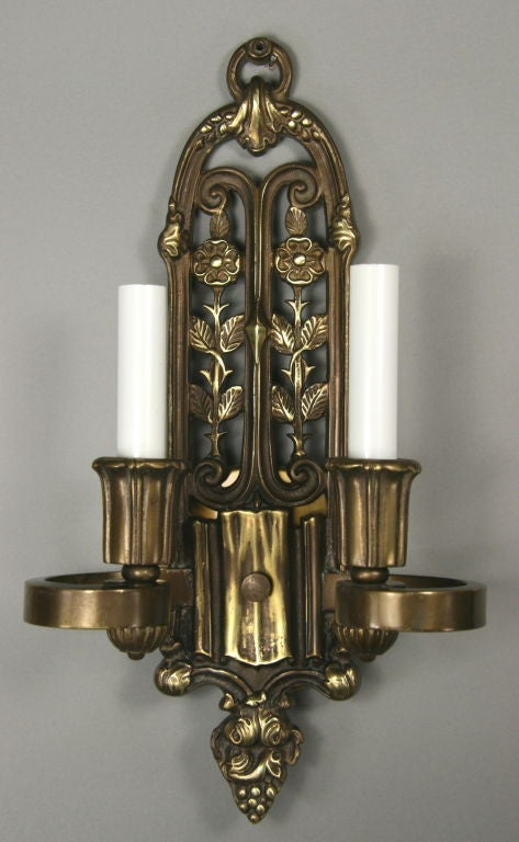 Pair of English Cast Bronze Sconces, circa 1920s In Good Condition For Sale In Douglas Manor, NY