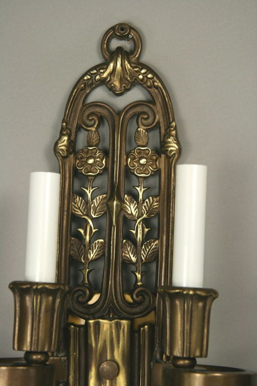 20th Century Pair of English Cast Bronze Sconces, circa 1920s For Sale
