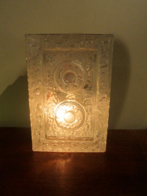 Glass Wall Sconce In Good Condition For Sale In Brooklyn, NY