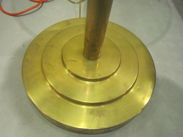 Art Deco Brass Floor Lamp In Good Condition For Sale In Brooklyn, NY