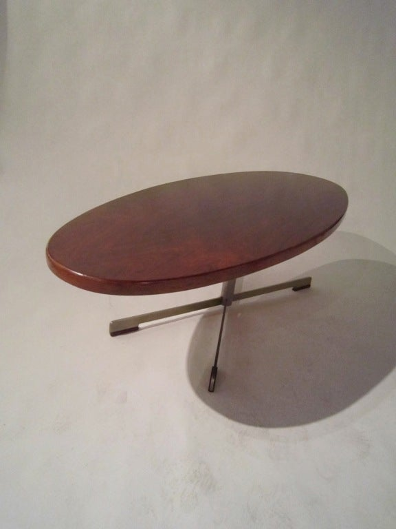 Mid-20th Century Large Rosewood Oval Coffee Table For Sale
