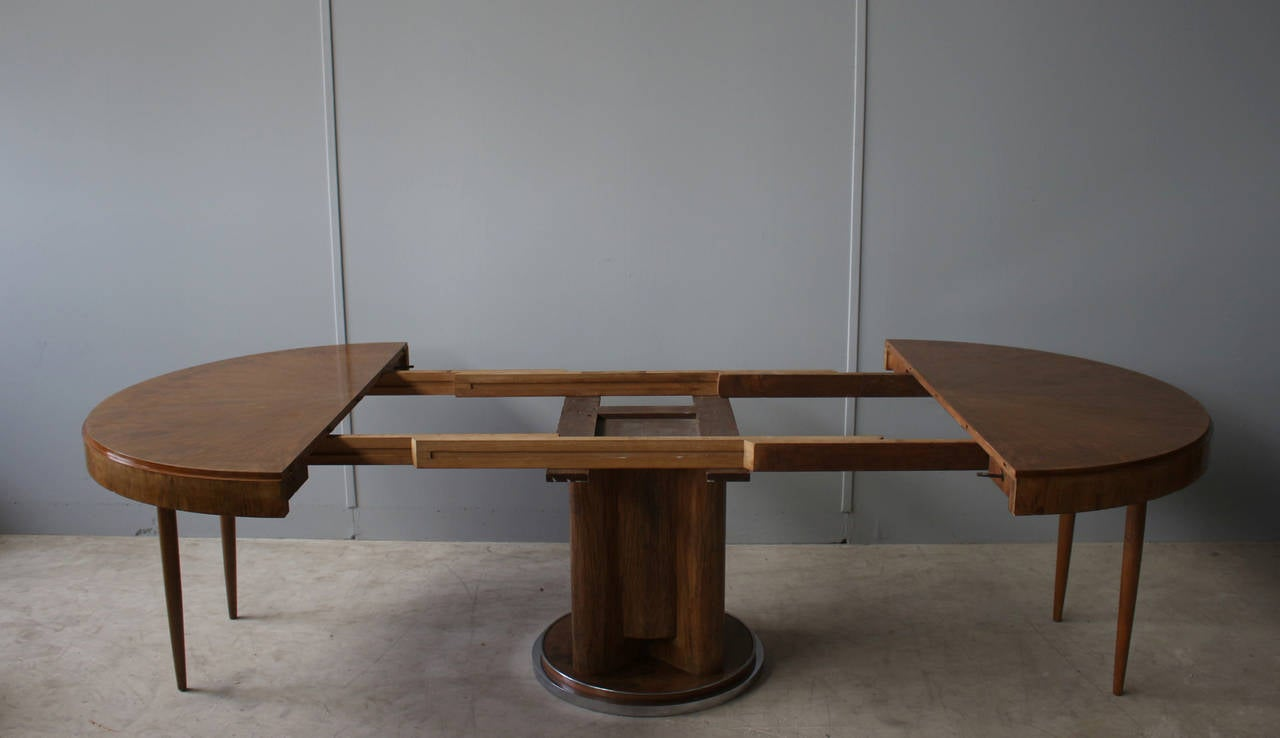Fine french art deco walnut round dining table for sale at - Table ronde pied central inox ...