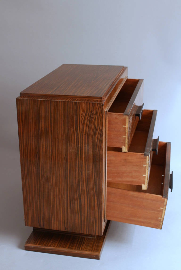 small french art deco rosewood commode at 1stdibs. Black Bedroom Furniture Sets. Home Design Ideas