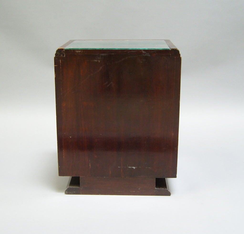 Pair of French Art Deco Side Tables or Night Stands For Sale 5