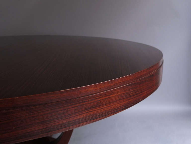 Fine french art deco round dining or center table at 1stdibs for Grande table ronde 10 personnes