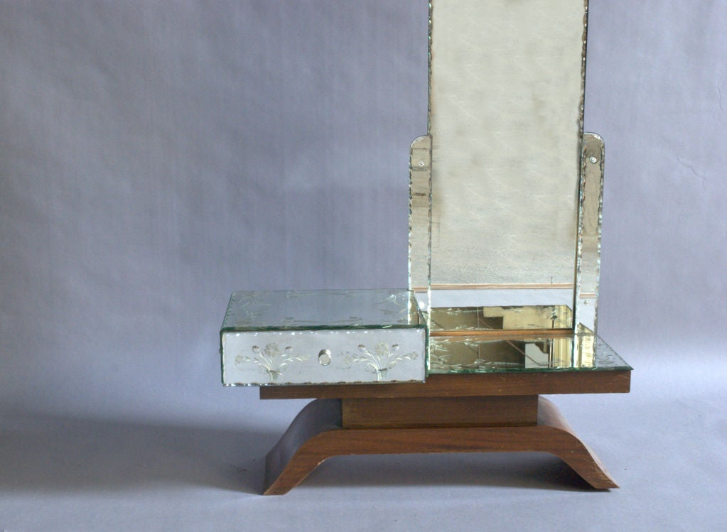 A Fine French Art Deco Mirrored and Mahogany Vanity For Sale 3
