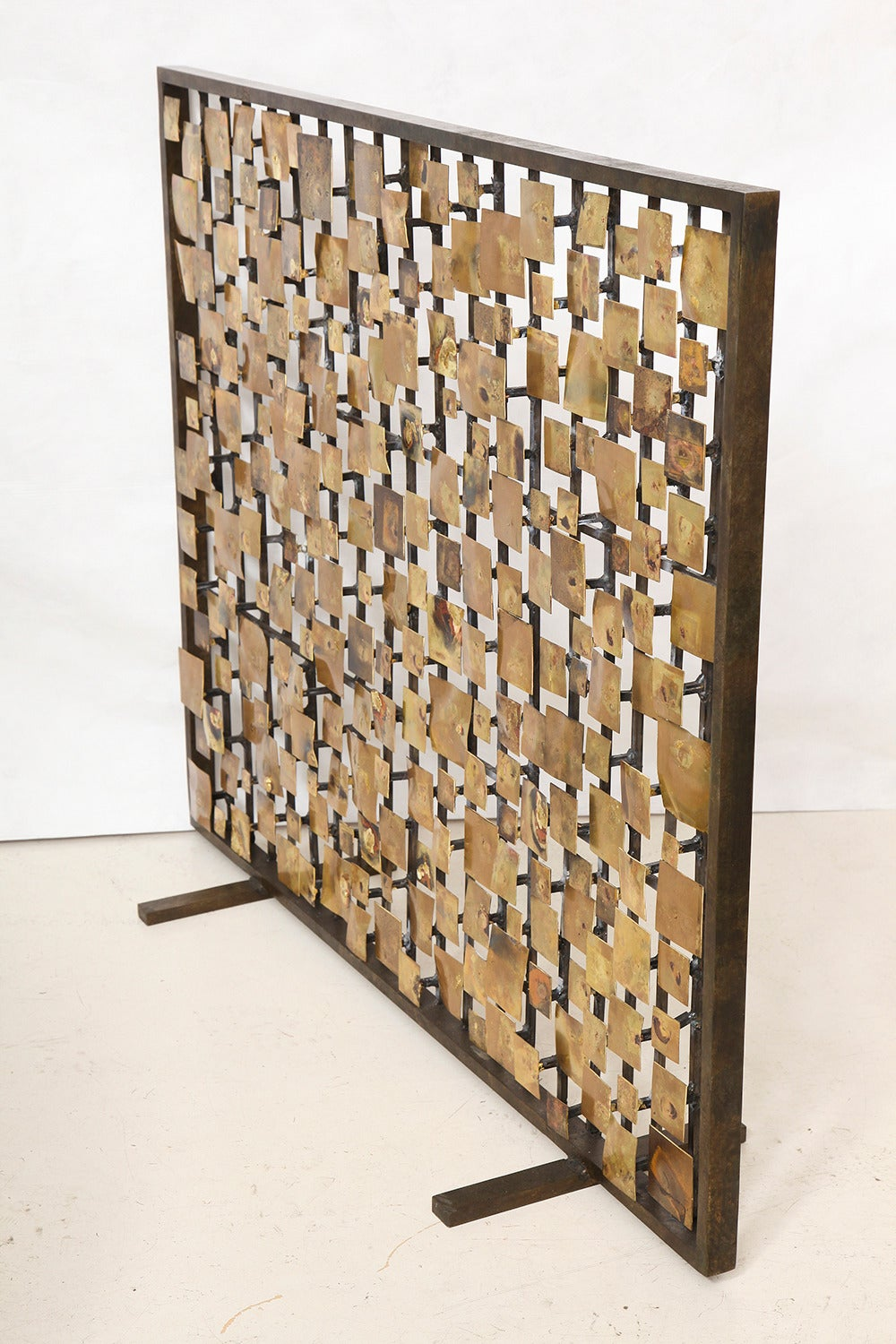 Marie Suri the aurora fire screen in gold