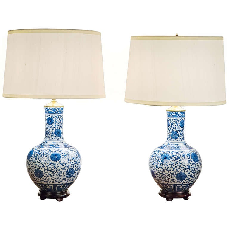 pair of 20th century chinese blue and white porcelain. Black Bedroom Furniture Sets. Home Design Ideas
