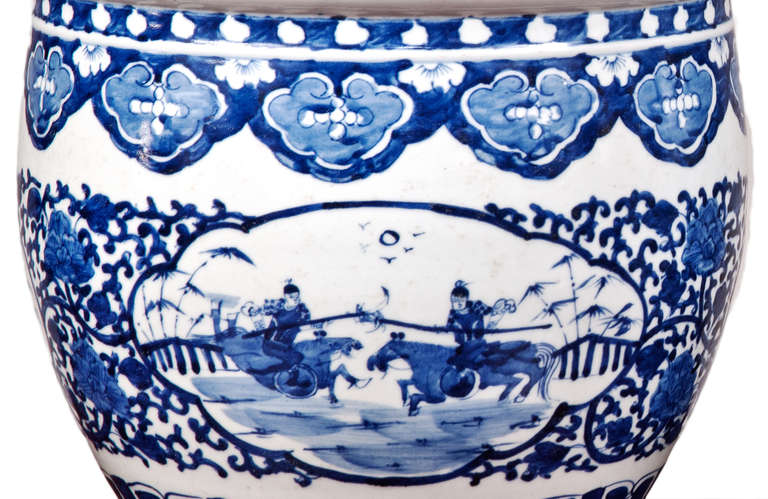 Pair of Chinese Blue and White Porcelain Fish Bowl Planters For Sale 2