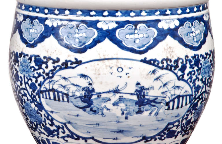 Qing Pair of Chinese Blue and White Porcelain Fish Bowl Planters For Sale