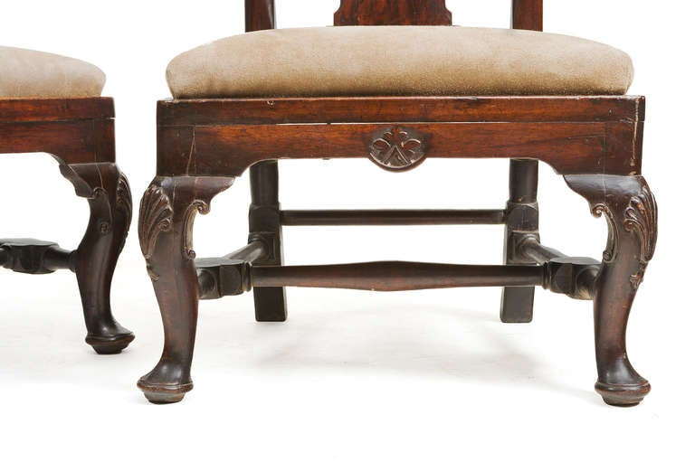 Pair of 18th Century Georgian Mahogany Slipper Chairs In Excellent Condition For Sale In New York, NY