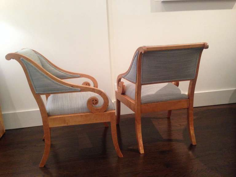 20th Century Pair of Swedish Cabinetmaker Chairs in Classical Style For Sale