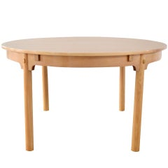 Round dining table in oak by Borge Mogensen