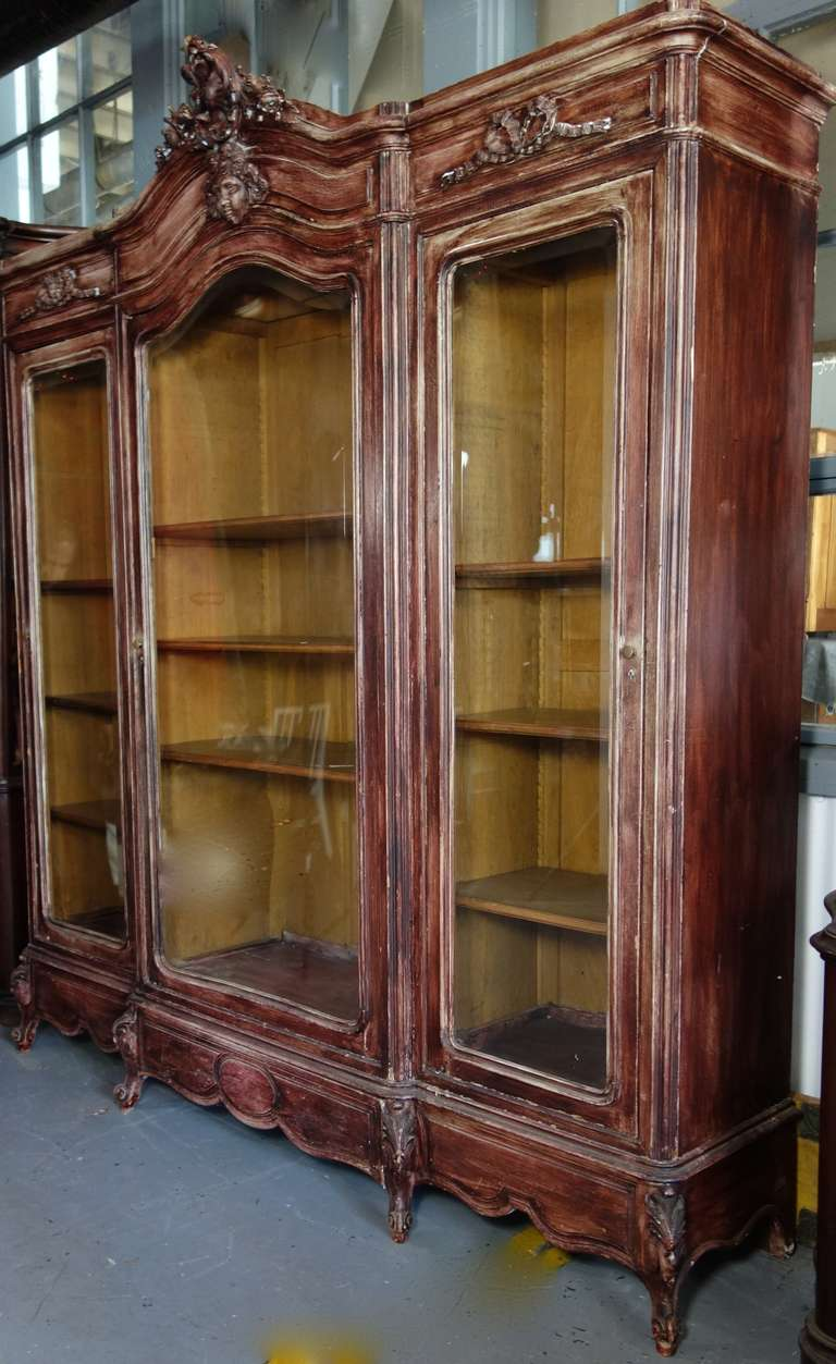 french louis xv triple armoire at 1stdibs. Black Bedroom Furniture Sets. Home Design Ideas